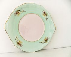 Vintage china cake plate - Elizabethan Bone China in mint green #etsy #peonyandthistle