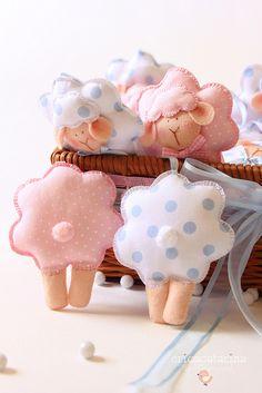 sheep crafts for kids, diy feltro, sewing diy baby, lamb crafts, diy sheep, diy sew, fabric crafts, craft ideas, diy kids mobile