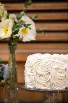 Simple and textured wedding cake ideas. Cake Design: Coveted Cakery ---> http://www.weddingchicks.com/2014/05/30/wedding-chicks-happy-hour-7/