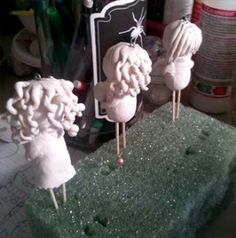 Part 3 of my tutorial on how to make a Paperclay doll ornament.