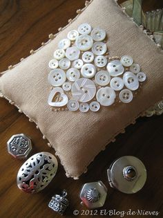 blog 82 064  I like the way the heart is filled out with French knots. button pin, gift, button art, button heart, linen