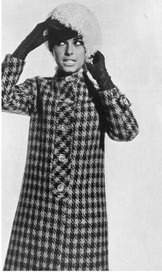 19601970 fashion, bold prints, houndstootha girl, 1960s fashion, 60s style, everyday outfits, trench coats