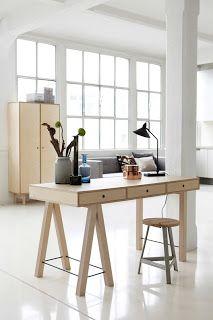 Nuevo escritorio de #HouseDoctor en abedul laminado. Diseñado y fabricado en Dinamarca. #estilonordico #muebles #diseñodanes #style #diseñonordico #design