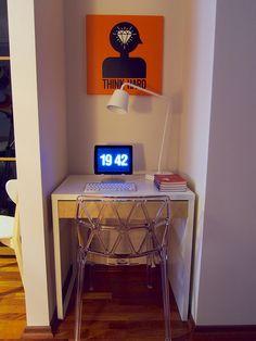 Bedroom mini desk by Shereboy, via Flickr