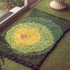 Crocheted Rug with Circular Motif PDF Pattern Vintage 1960s | TodaysTreasure2 - Craft Supplies on ArtFire