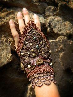 jungl gypsi, cuff, glove, wristlet, jungle fashion
