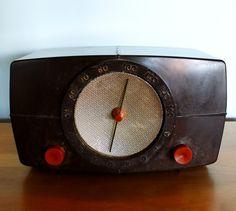 Vintage Art Deco Motorola Bakelite Radio with Red Knobs