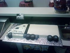 18 wheeler birthday cake