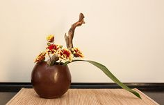 Ikebana 30 mar 10 (2) by PaRaP, via Flickr