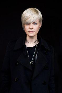 kate lanphear blonde hair