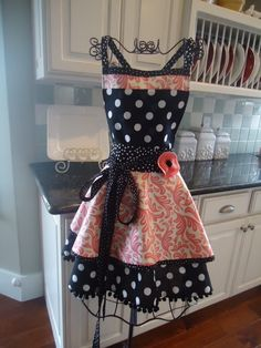 sew, idea, craft, retro styles, polka dots, dress, aprons, kitchen, vintage inspired