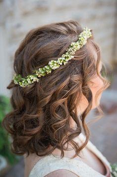 Italian inspired wedding hair: http://www.stylemepretty.com/oregon-weddings/portland/2014/07/02/tuscan-wedding-inspiration-in-portland/ | Photography: Hoddick Photography - http://www.hoddick.com/