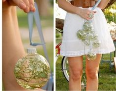 Adorable bulb filled with baby's breath for a sweet cristmas decoration