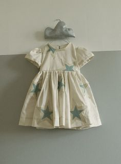 love the star appliques on this.