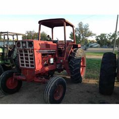 International 986 tractor salvaged for used parts. Call 877-530-4430 for the best selection of used ag parts. http://www.TractorPartsASAP.com
