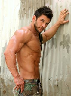 men-hairy-muscle-smooth-beards-bears-abs-handsome-hot-frat-boys-studs-guys-shirtless-naked-kissing-gay-hung-jocks-jeans-caps-iphone-lust-love-kinky-18-01.jpg 400×539 pixels