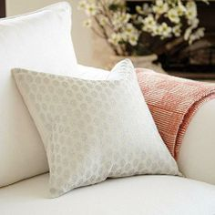 Every room needs a little a shimmer & shine. This Fiona Metallic Pillow is sewn of soft 100% linen and screen-printed in a silver ditsy pattern for subtle global flavor.