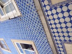 Alfama- Lisboa. Beautiful old building covered with blue white tiles