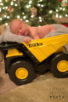 Aw this reminds me of my oldest sons birth announcement but in his grandpa's company colors tonka!