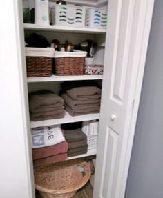 If you're like me, organizing your home and making the most out of small spaces is a must. This blog site is Awesome! SO many Great ideas! Organize Closet, Closet Redo, Bathroom Closet, Linens, Linen Closet Organization, Linen Closets, Closet Stori, Guest Bath, Laundry Baskets
