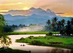 See the wonders of Vietnam.