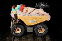creative newborn boy photography | creative and fun photo ideas / So cute for a newborn boy!