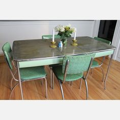 Love the old formica tables .....