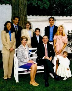 royabluesecrets:  The Greek Royal Family's Christmas Card (1998):  Top-l-r Princess Alexia, Prince Nikolaos, Princess Theodora,  Prince Philippos,  Crown Prince Pavlos with his wife Marie-Chantal and their daughter Maria-Olympia.  Seated-Queen Anne-Marie and King Constantine II.
