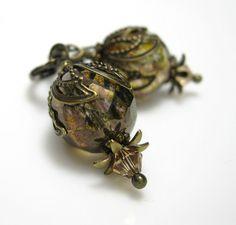 Vintage Style Earrings Dangle Earrings Green Gold by jewelrybyNaLa, $23.25 #onfireteam #lacwe #earrings #accessories