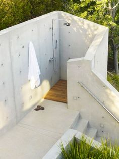 Contemporary Outdoor shower