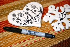 Dollar Store Craft: Sharpie decorated Christmas ornaments