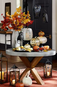 This Halloween entryway is a hoot!