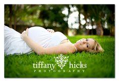 maternity photos, green, dresses, white, vibrant colors