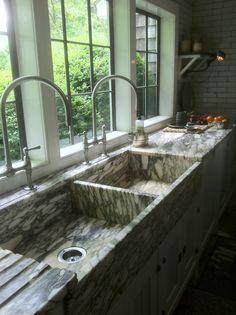 2 large sinks