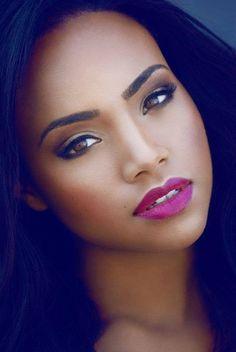 Black Beauty. Perfect pink lipstick on dark skin.