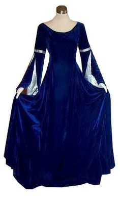 blue medieval dress  I think I can make this.