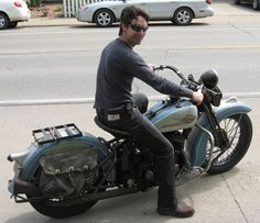 mike wolfe (from american pickers)
