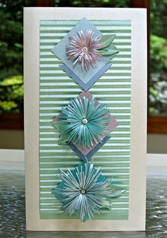 Asymmetric Fringed Flower card by Ann Martin... includes tutorial