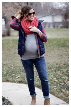 maternity style: flannel, puffer vest, & chunky knit scarf. perfect casual fall/ winter outfit!