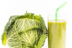 "JUICING vs BLENDING:  ""It all comes down to the issue of fiber, and not all of those trendy cold-pressed juices have that important dietary component."" 