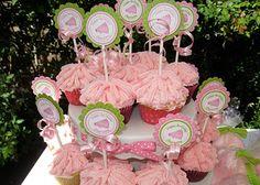 Cheerleader cupcake