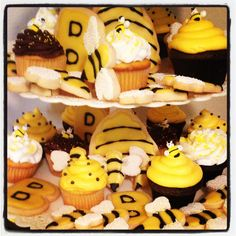 Bumble Bee cookies and cupcakes x