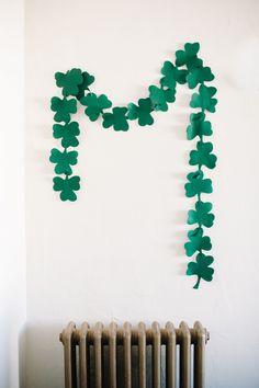 Gorgeous green DIY Easiest St Patricks Day Garland