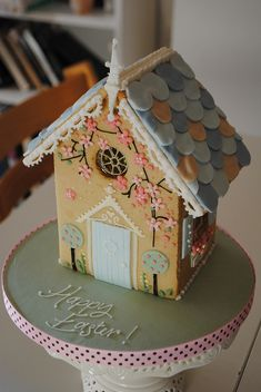 Gingerbread or Shortcake? Either way this looks amazing! Windows to ivy it is incredible but most of the credit has to go to whoever made the indulgent house! Biscuits House, Easter Biscuits, Biscuits Cookies, Beauty Cake, Summer Parties, Gingerbread Houses, Baby Cakes, Birthday Cakes, Ice Biscuits