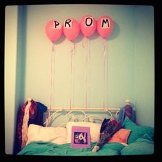 such a cute way to ask to go to prom!!♥