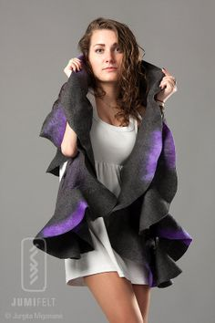 Wavy shawl Felt ruffled scarf - Grey with violet