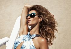 Gisele Bundchen in the sun! with these sunglasses