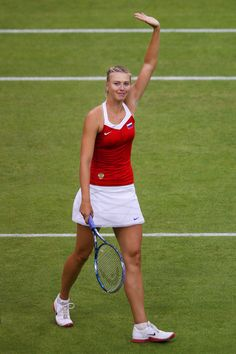 Maria Sharapova Photo - Olympics Day 2 - Tennis