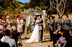 such a perfect backdrop for this rustic ceremony