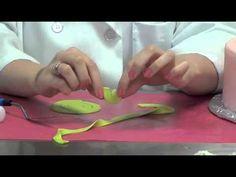 How to Make a Fondant Ribbon